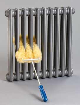 Per la pulizia dei radiatori, Zehnder ha sviluppato un'apposita spazzola in pelo d'agnello.
